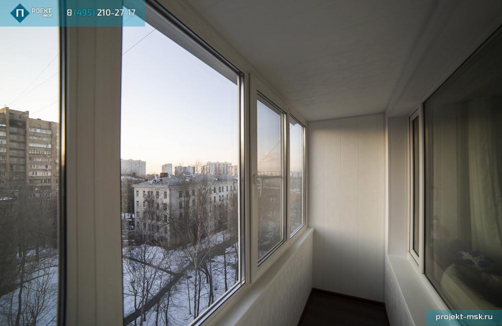 Остекление и утепление балкона в москве.