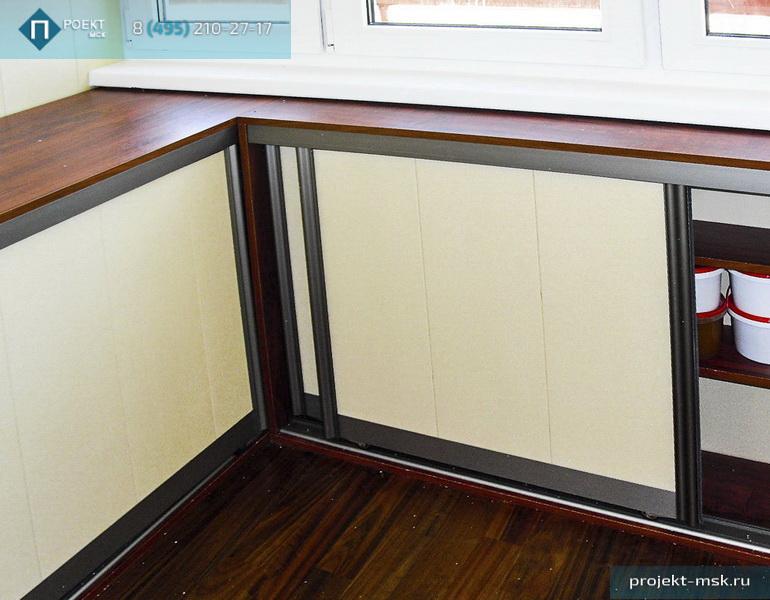 Шкафы на лоджии, хороший вариант разгрузки домашнего гардеро.