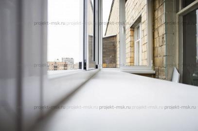 Холодное остекление балкона на выносе с крышей
